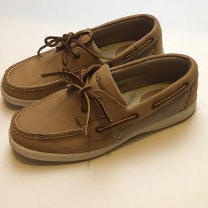 G.H Bass & CO tan boat shoes women's size 7 1/2